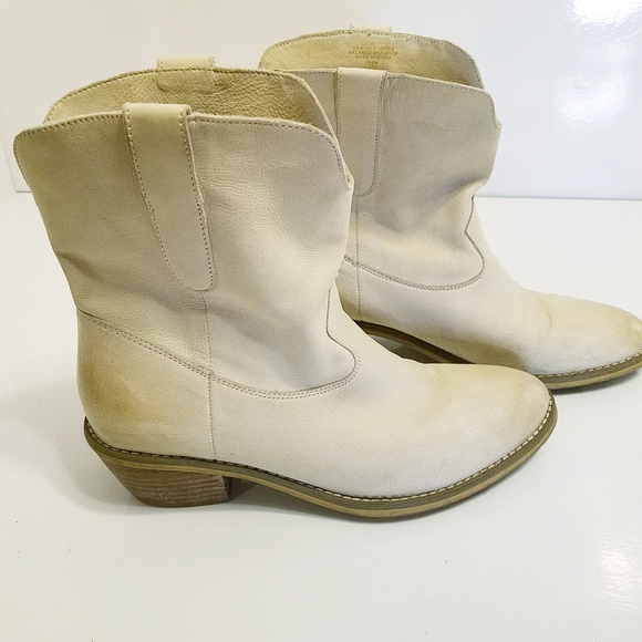 "Crown Vintage ""Wilton"" distressed western booties"